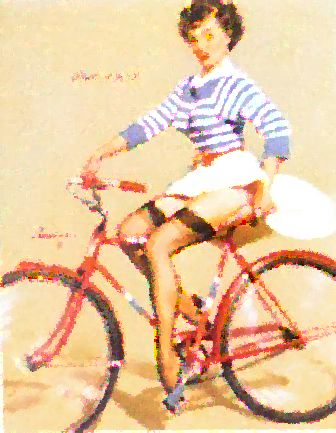 pin up à vélo - les pin up roulent à vélo - une belle femme se dandine sur son vélo - Belle à vélo - http://lovelylavie.unblog.fr